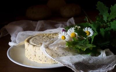 Inetas Karules Jāņu siers jeb Mū kundze mīl brīvību