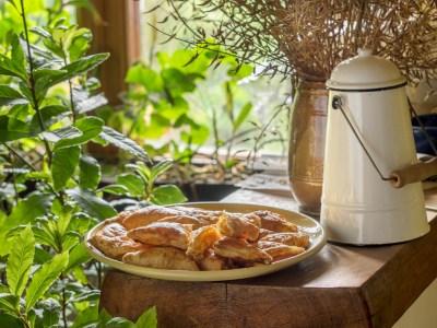 Viesūnēni, Burkanu-olu-piragi, kārtainās-mīklas-pīrāgi-ar-burkāniem