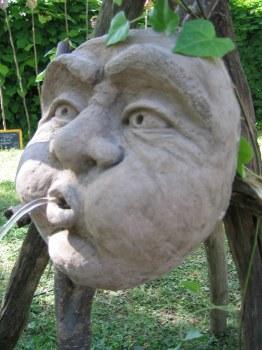 gargoyle wasserspeier horn fuer den gartenteich atelier wenzel