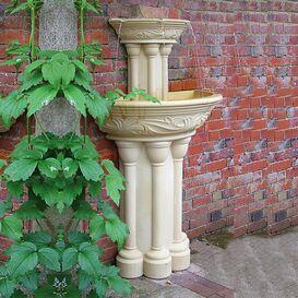 Gartenbrunnen aus Steinguss - Elton Hall