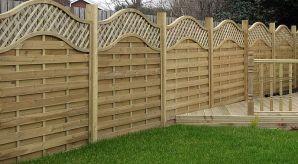 Gartenzaun-Sichtschutz-Matten-geschwungen