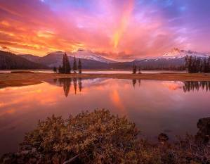 Sparks Lake in Central Oregon