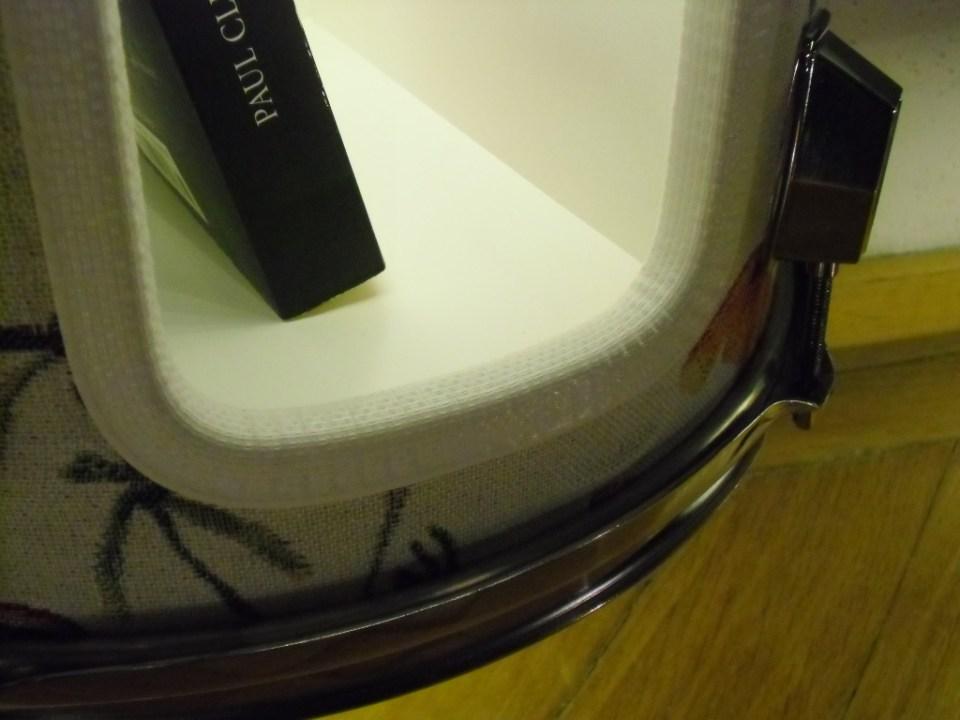 Schlagzeug Trommel, Holz, Metall, Plexiglas, Lack, Textil, LED Beleuchtung mit Schalter. Tom drum,wood,metal,plexiglass,paint,fabrik,LED lighting with switch. Size: 54cm H x 34cm W