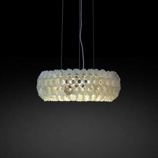 Federbälle, Holz, Lack, Plexiglas, Draht, Beleuchtung. Shuttlecocks, wood, paint, plexi glass, wire rope, lighting. 59cm x 20cm