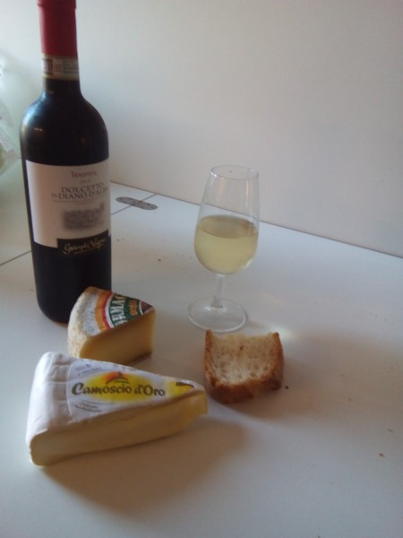 Piedmonte wine and cheese