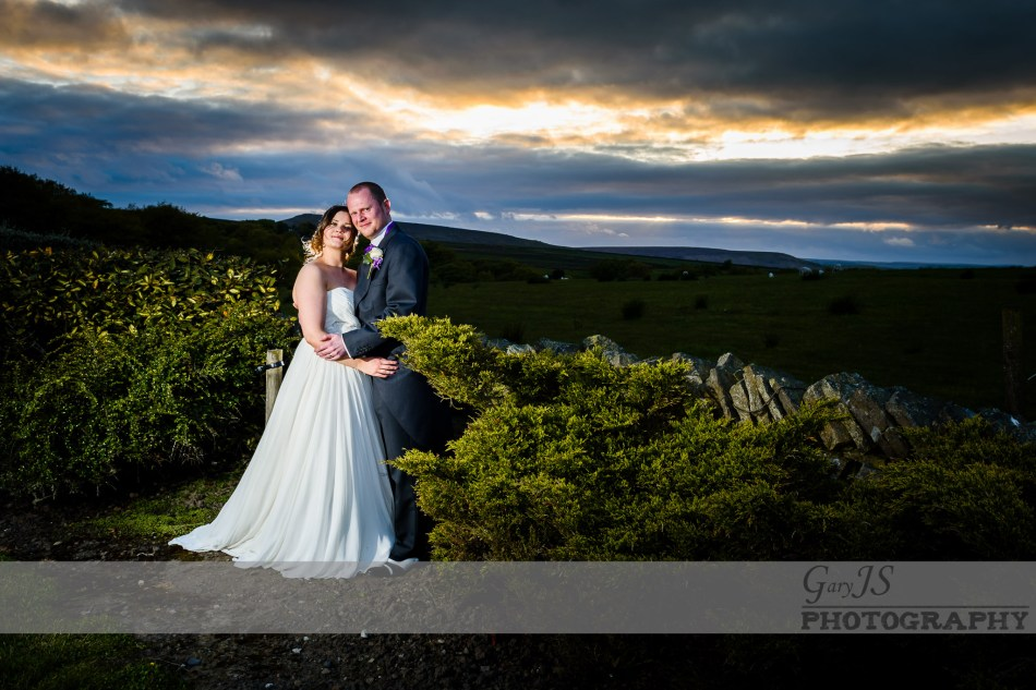 Emma and Lee - Huntsman Inn Wedding Photography| Holmfirth