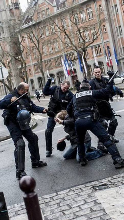 Police_mars2016