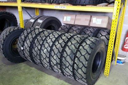 stock-pneus-poids-lourds2