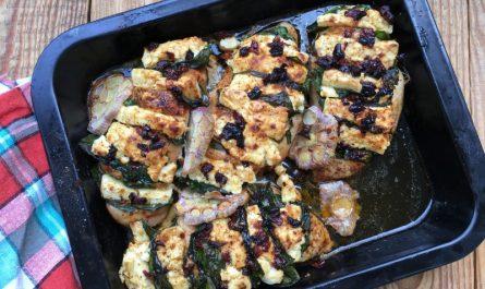 Gebackene Hühnerbrust mit Spinat und Feta
