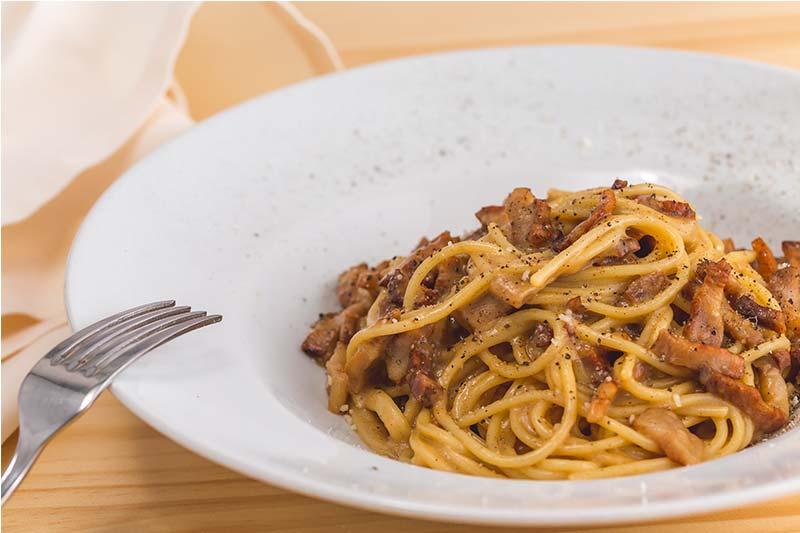 Spaguetti Carbonara restaurante italiano ¡Tu Pasta!