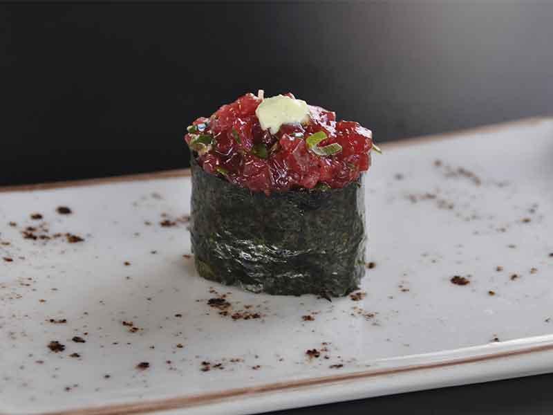 Restaurante japones Inari Gunkan Atun Wasabi