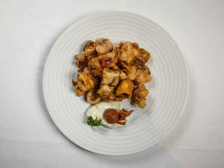 Calamares a la romana con alioli ligero Restaurante Hevia