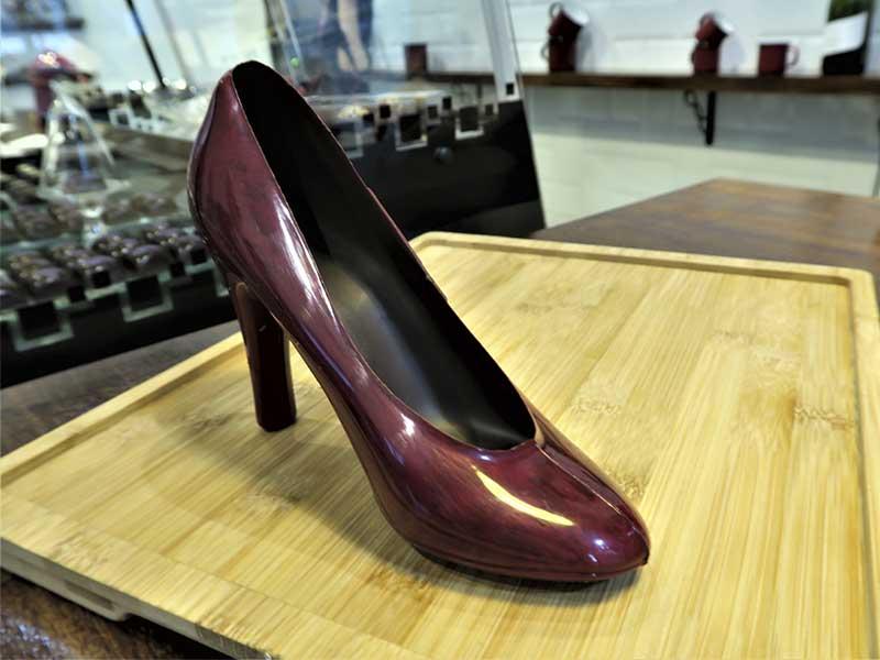 Chocolate Flor dKKO zapatos de tacón de chocolate