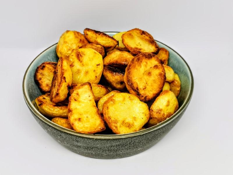Ovnstegte kartofler
