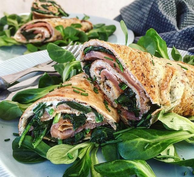 Æggeruller med spinat og laks