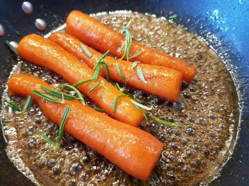 Glaserede gulerødder