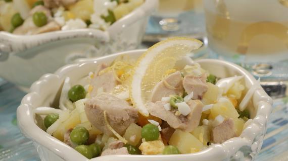 Классический салат из печени трески, пошаговый рецепт с фото