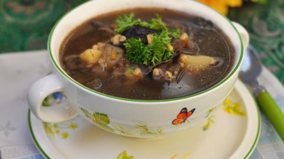 Mushroom soup with bulgur