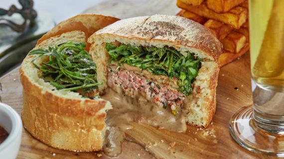 FOIE GRAS және саңырауқұлақ тұздығы бар бургер