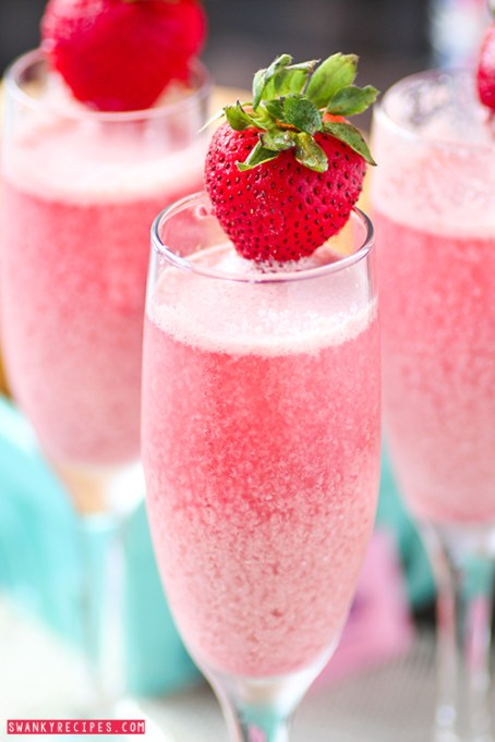 Strawberry-Cream-Mimosas