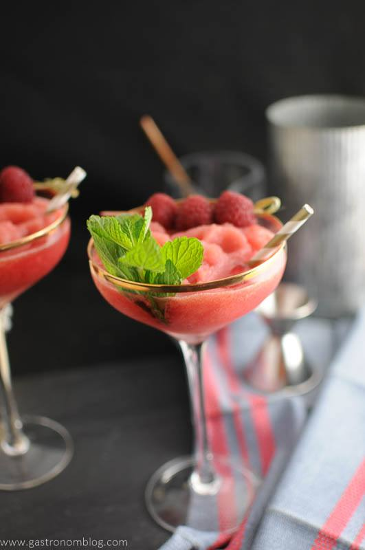 Watermelon Raspberry Frosé-A Rosé cocktail