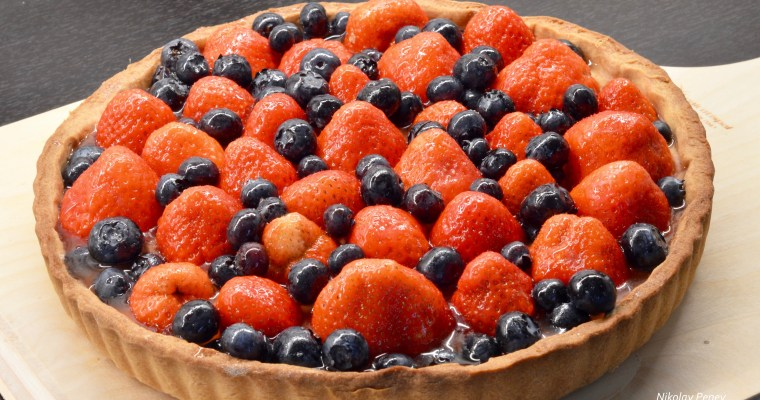 Strawberry Tart-Тарт с ягоди и боровинки