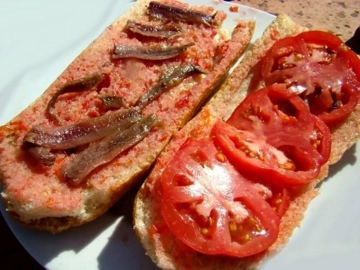 Roustide à l'anchois et roustide aux tomates