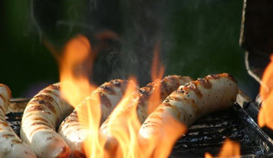 Saucisses blanches au barbecue