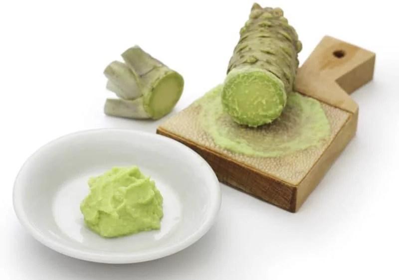Wasabi et racine de wasabi