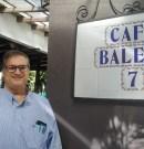 Ignasi Maestre Casanovas en el Café Balear de Pere Masoliver