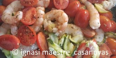 lagostinos + calabacin + tomates cherry