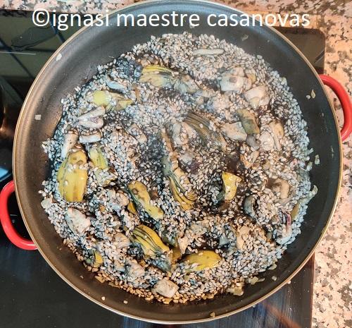 ignasi maestre casanovas arroz negro sepia y alcachofas
