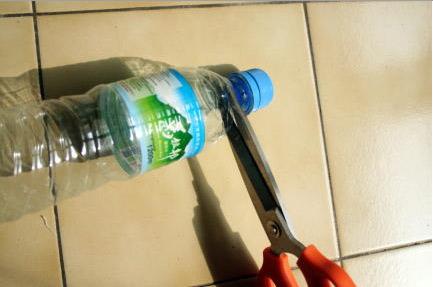cierre hermético hecho con una botella reciclada