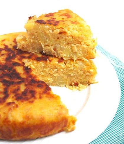 Tortilla vegana con patatas picadas