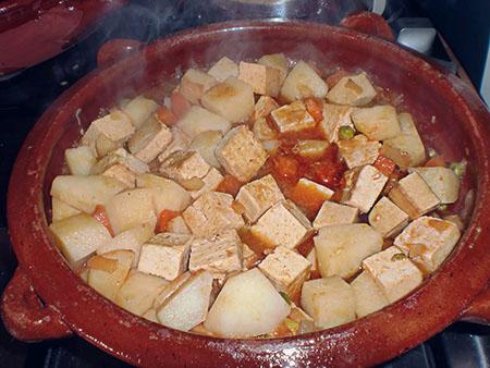 Guiso de tofu, de Camino Veg