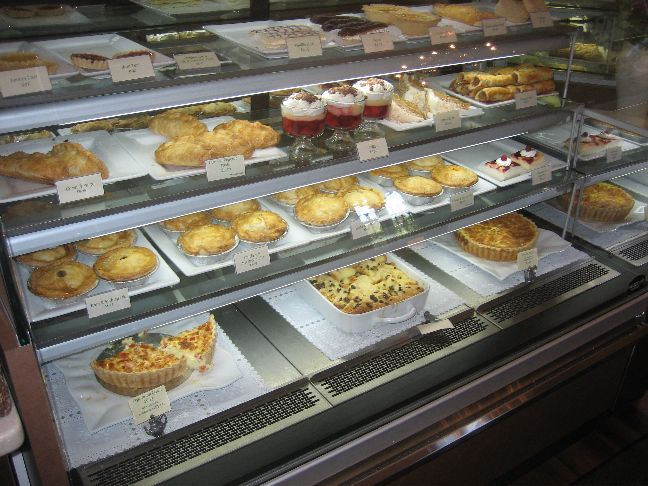 Elizabeth's Bakery and Tea Shop cakes