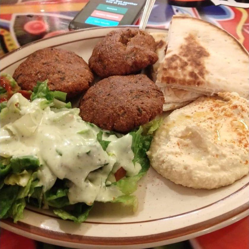 Curry Fried Chicken - hummus plate (biochromas)