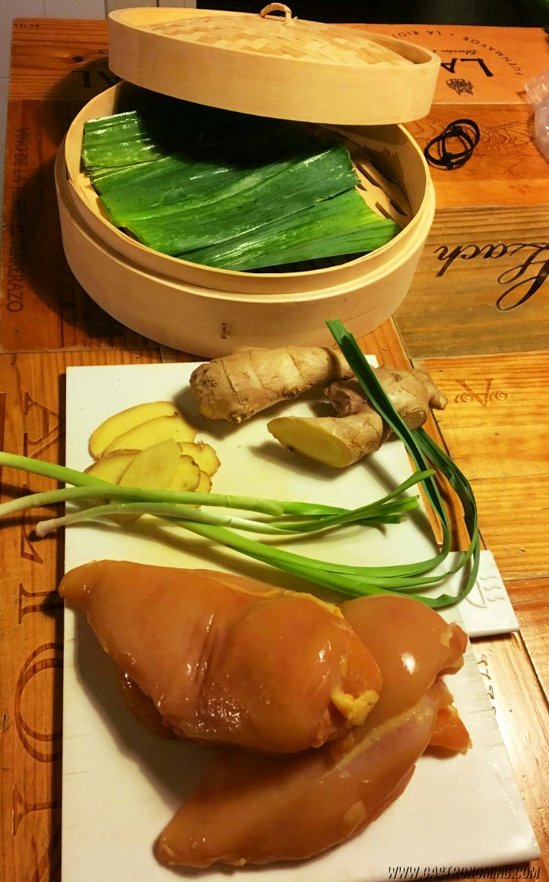 Pollo al vapor con jengibre