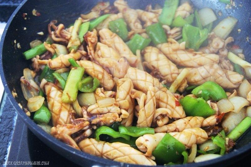 Calamares picantes al wok