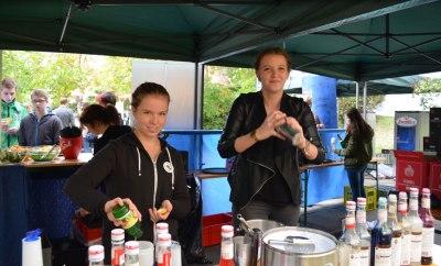 Tourismusschulen Krems feiern Jubiläum Cocktails