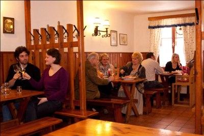 Wein Klosterneuburg Weingut Kerbl Buschenschank