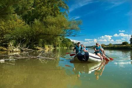 Touristische Angebote Nationalparks Bootstour am Donau Arm im Nationalpark Donau-Auen