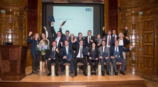 Neue Absolventen Unternehmer-Akademie ÖHV