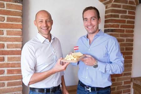 Kröswang unterstützt Verein Land schafft Leben Hannes Royer Manfred Kröswang