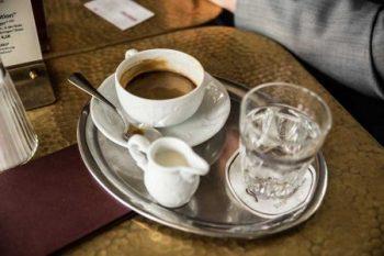 Cuisino Chef Oliver Kitz im Interview Wiens ältestes Ringstraßencafé ist beliebter Treffpunkt für Wiener und Touristen.