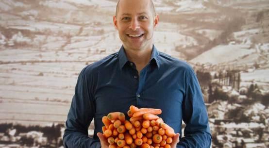 Karotten vom Feld in die Gastronomie