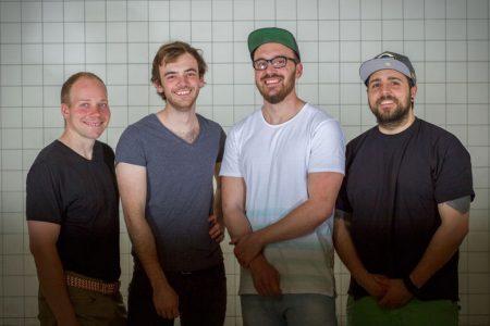 """Das Gründer-Team von """"Herd"""" (v. l.): Felix Münster, David Weber, Marko Ertl und Matthias Kroisz Co-Working-Küche für Gastro Gründer in Wien"""