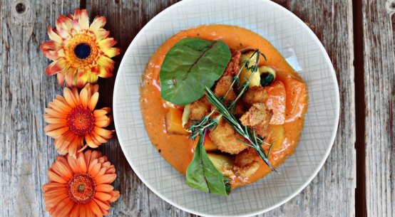 Herbstliche Kulinarik im Kolin Lammkronen Kürbissuppe