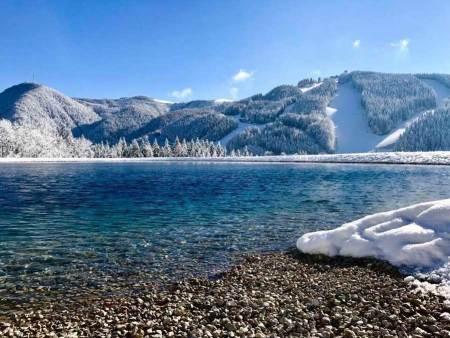 Semmering startet in die Wintersaison Zauberberg Semmering Winterstart Teich