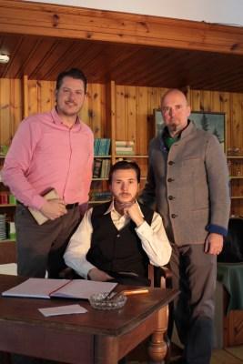 Bernd Scharfegger (l.) mit Schauspieler Sandro Swoboda (Mitte) und dem künstlerischen Leiter Norbert Mang Theater in den Bergen Sigmund Freud auf der Raxalpe
